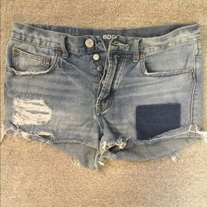 BDG -UO- Destroyed patch denim shorts